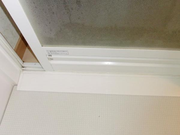 熊本の浴室清掃水垢クリーニングサッシ